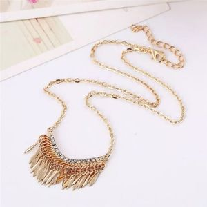 Adorable feathers boho bohemian golden necklace